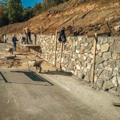 Rifacimento muro in pietra Strada SP323
